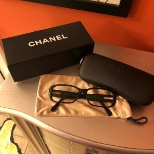 Chanel reading glasses 🍀*